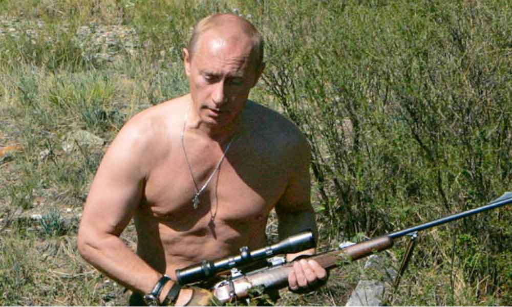 "Lanzan calendario de Vladimir Putin 2018 y se vende ""como pan caliente"""
