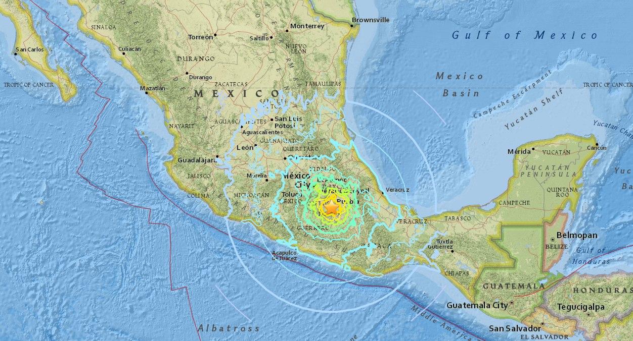 Poderoso sismo se siente en la Ciudad de México