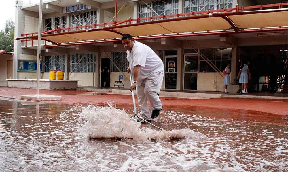 Planteles educativos de BC sin daños mayores por lluvias