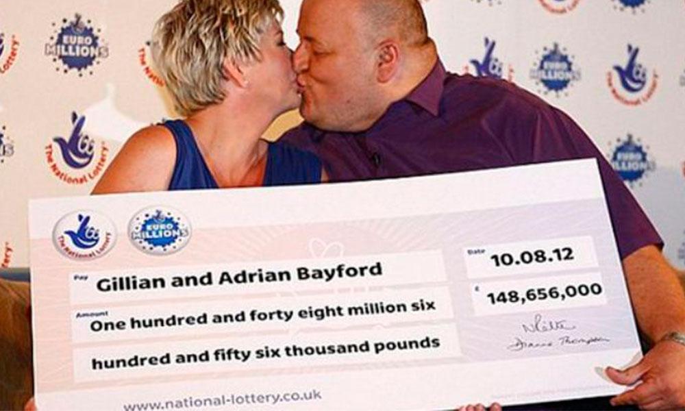 Ganó la lotería y dejó a su mujer por una joven con curvas