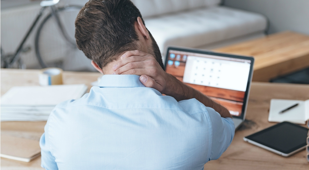 Mala postura corporal afecta la columna: IMSS