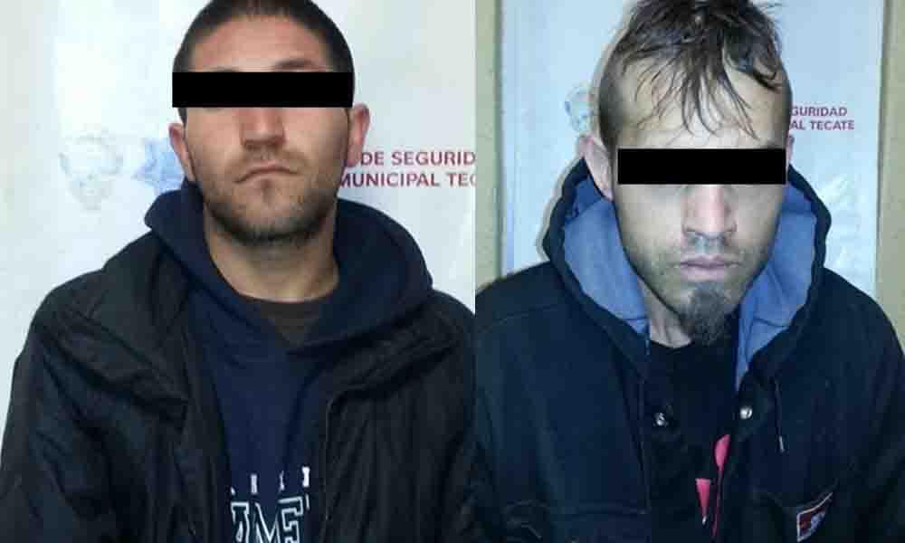 Capturan en Tecate dos sujetos por robo de vehículo y portación de arma prohibida