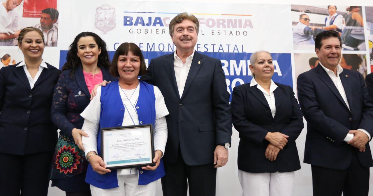 Reconoce Gobernador del Estado la noble labor de personal de enfermería en Baja California