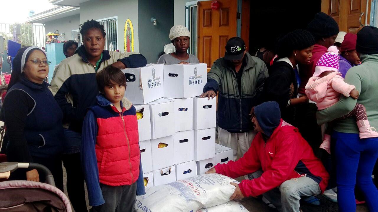 Entrega Gobierno de BC 4 toneladas de alimentos a albergues de migrantes