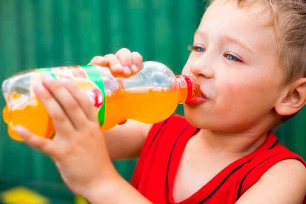 Bebidas azucaradas, riesgo de salud en niños: IMSS