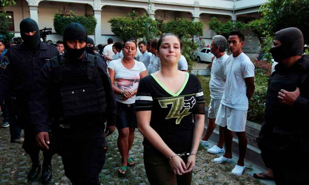 Detienen conductora de televisión por nexos con cárteles mexicanos