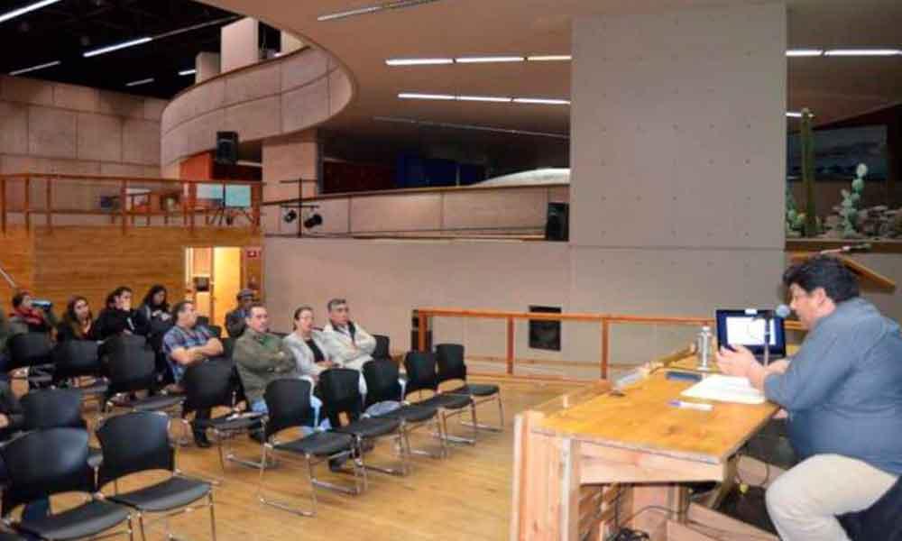 Se impartió en el CECUT la conferencia Comerciantes y empresarios en Tecate durante la Ley Seca