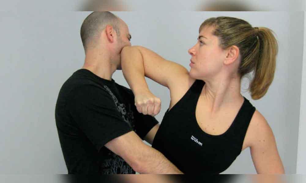 Invitan a curso de defensa personal para mujeres