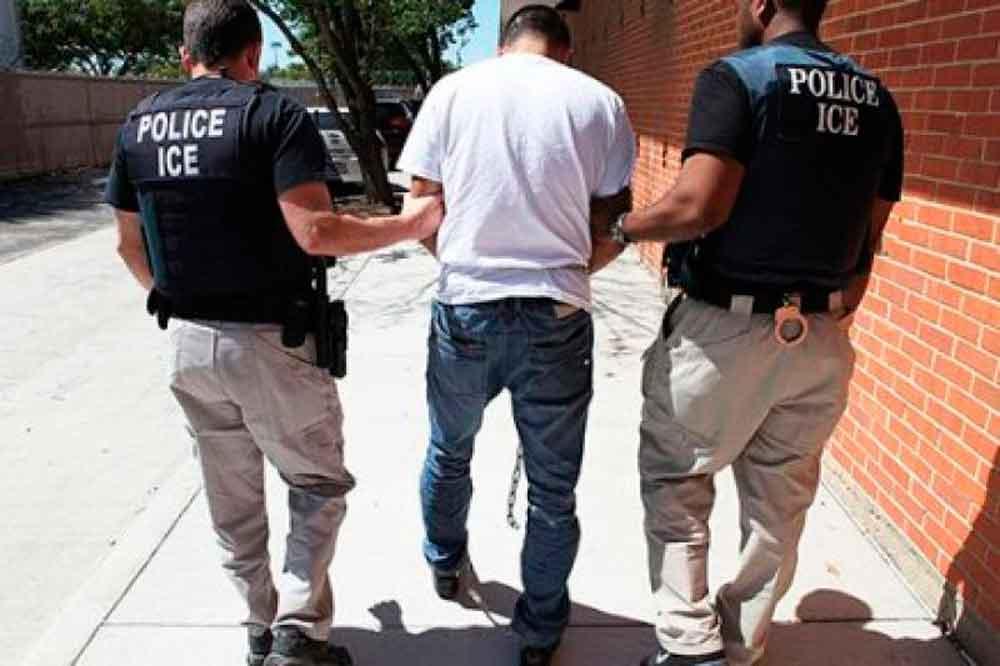 EU ordena deportar a México a indocumentados, sin importar su origen
