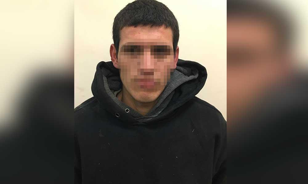 Sujeto intentaba huir en un vehículo robado; fue detenido