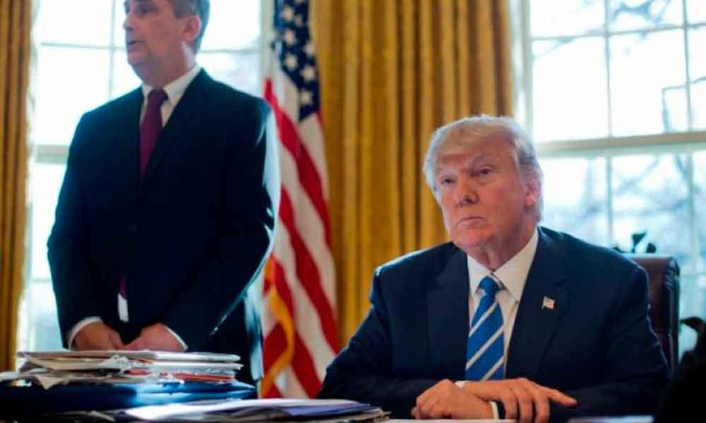 Donald Trump pide a policías detener a inmigrantes
