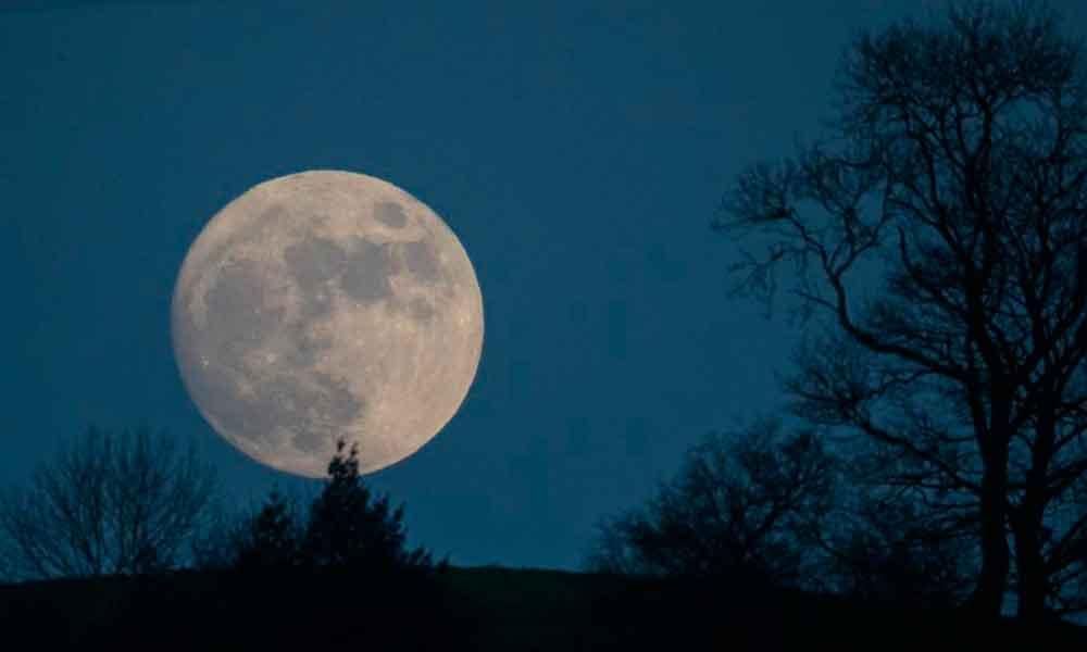 ¿Viste la Luna de Nieve que coincidió con el eclipse lunar?