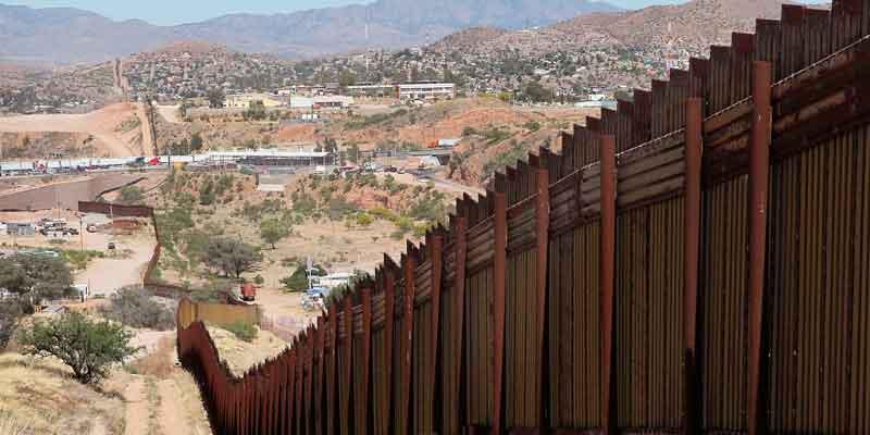 """""""El muro está siendo diseñado en estos momentos"""": Donald Trump"""