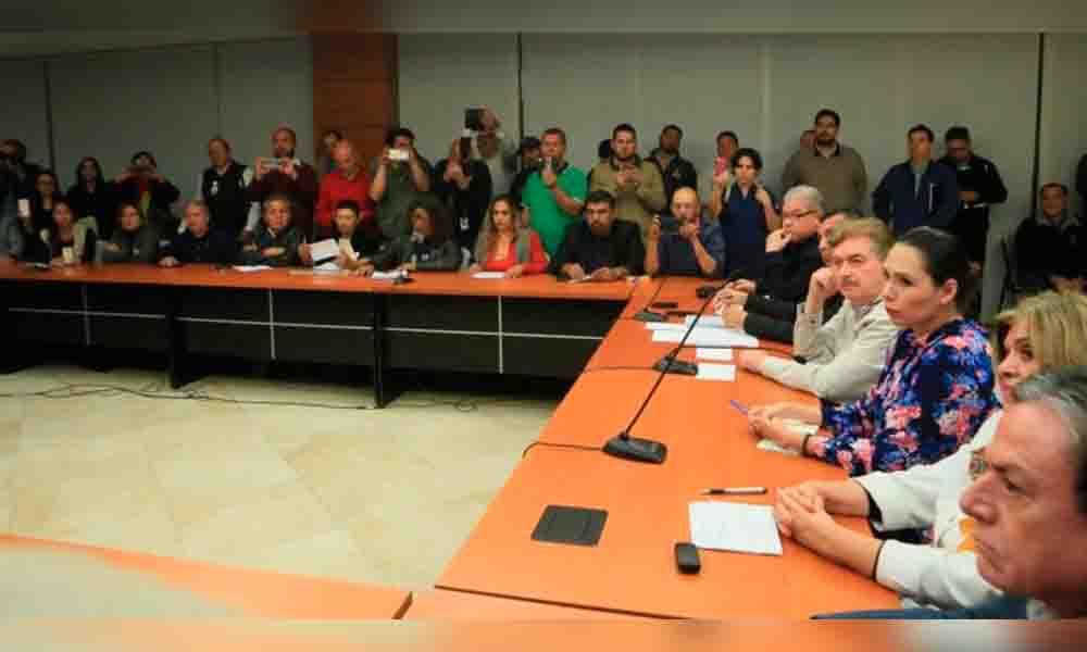 Gobernador de Baja California se baja el sueldo al 50%