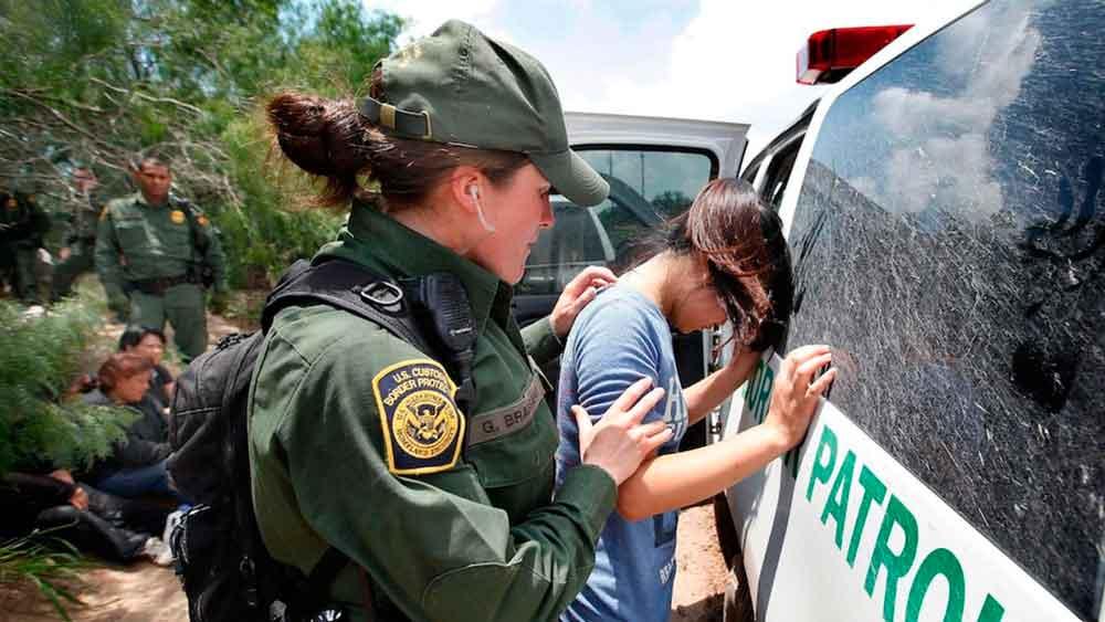 Persecución de inmigrantes termina con nueve heridos en San Diego
