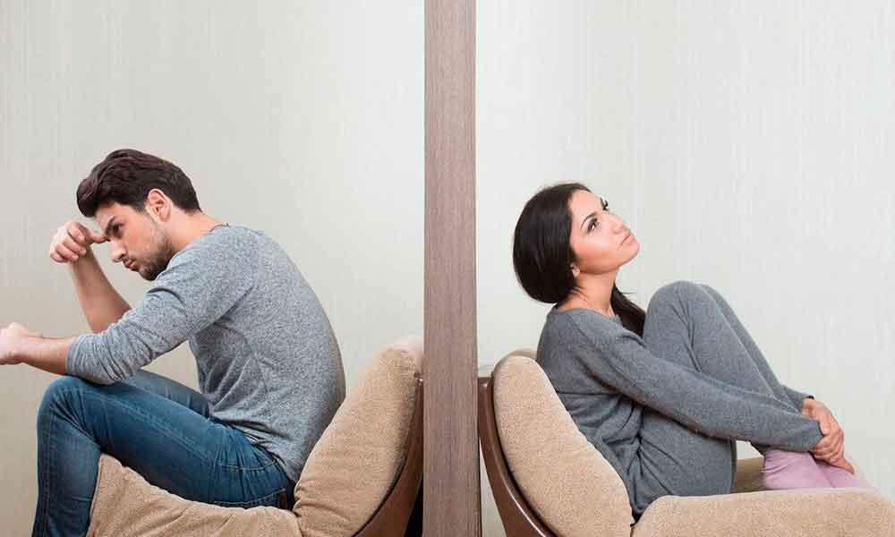Los mexicanos se casan menos y divorcian más: INEGI