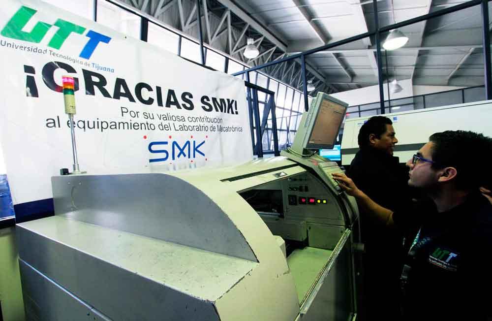 Dona empresa SMK Electrónica maquinaria a la Universidad Tecnológica de Tijuana