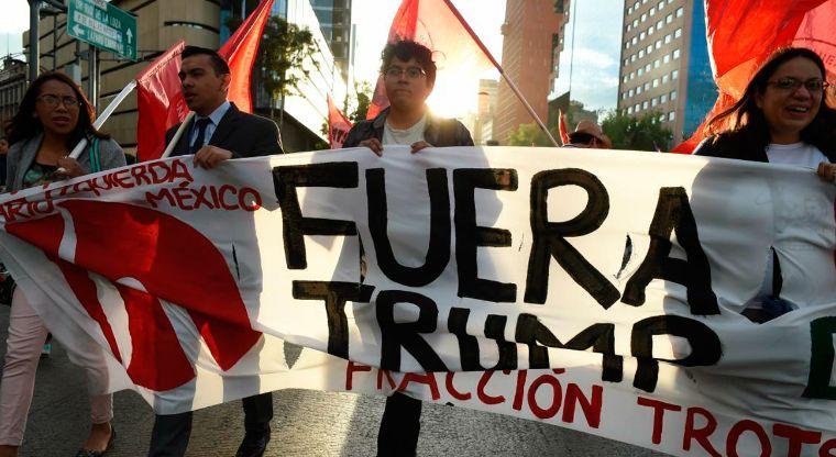 Convocan a marcha nacional contra Trump el 12 de febrero