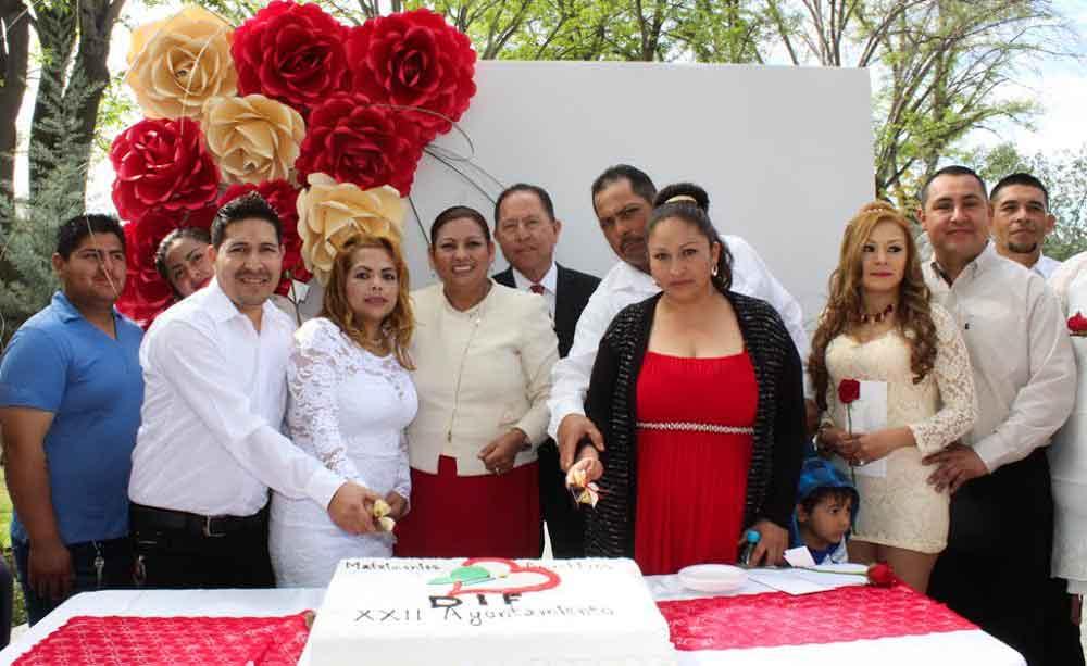 En el Día del Amor y la Amistad, unen sus vidas 80 parejas en los Matrimonios Colectivos de DIF Municipal