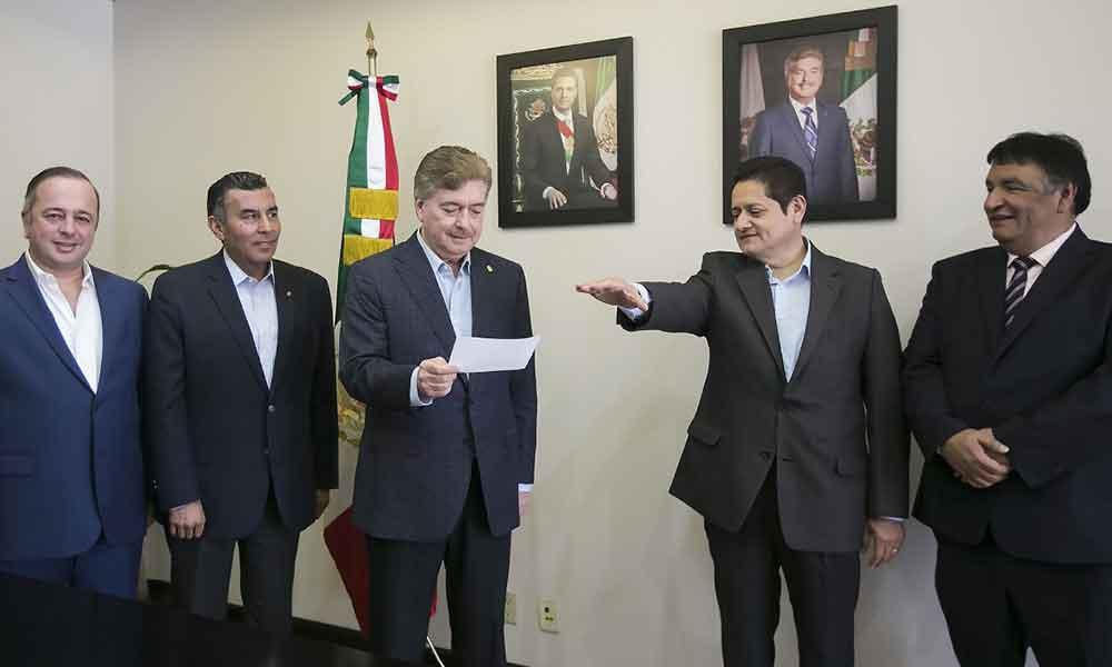 Nombra Gobernador a Miguel Ángel Mendoza González como Secretario de Educación y Bienestar Social en el Estado