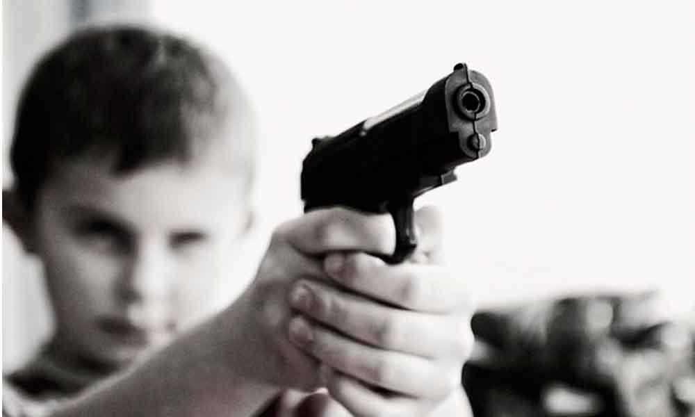 Niño de 8 años mata accidentalmente a su hermanita de 5 años