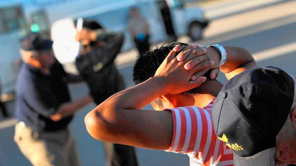 Trump ordenó contratar a 15 mil agentes migratorios para acelerar deportaciones
