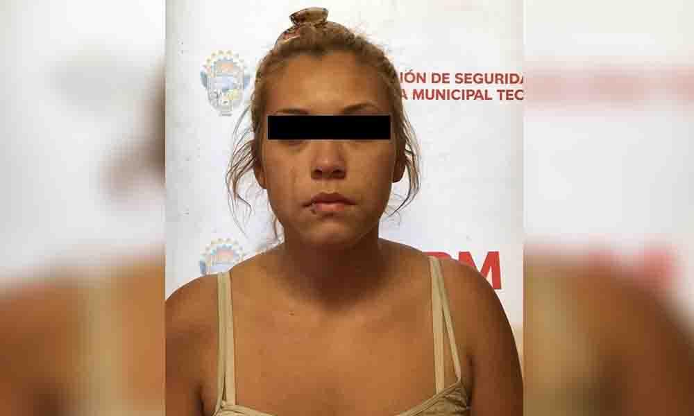Capturan a mujer en posesión de auto robado