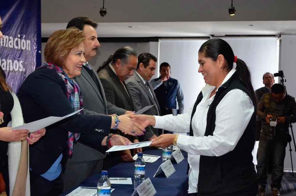 Fortalece PGJE capacitación a su personal en materia de derechos humanos