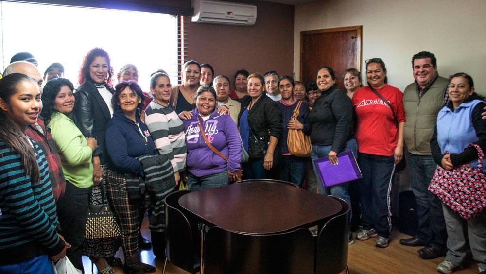 Atiende Nereida Fuentes tema de electrificación en colonia Los Olivos