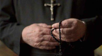 sacerdote,-veraz,-informa