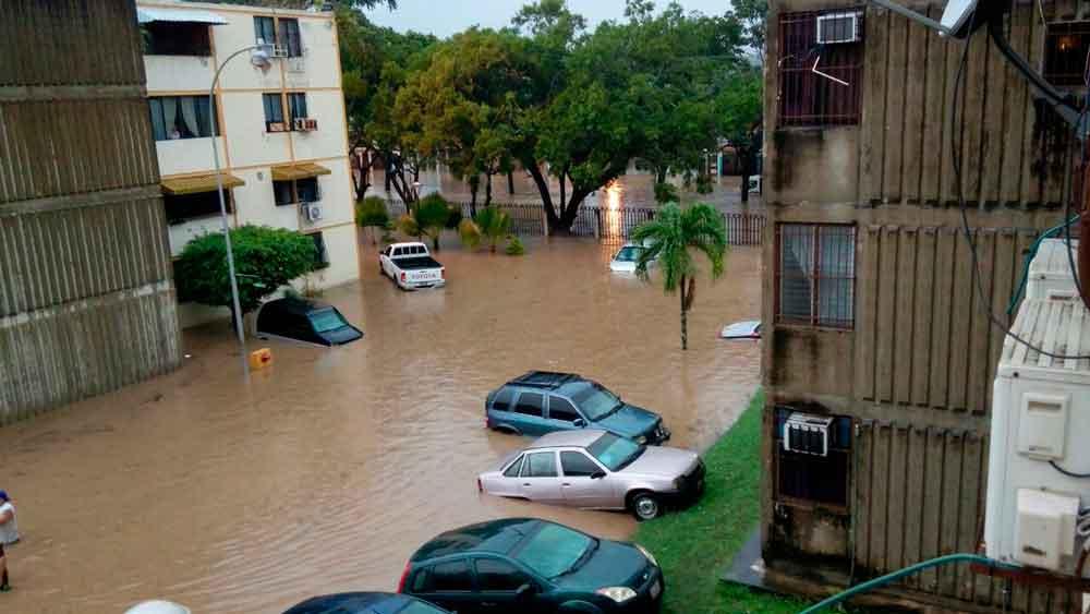 Regresa el clima seco luego de romper récords de lluvia en San Diego