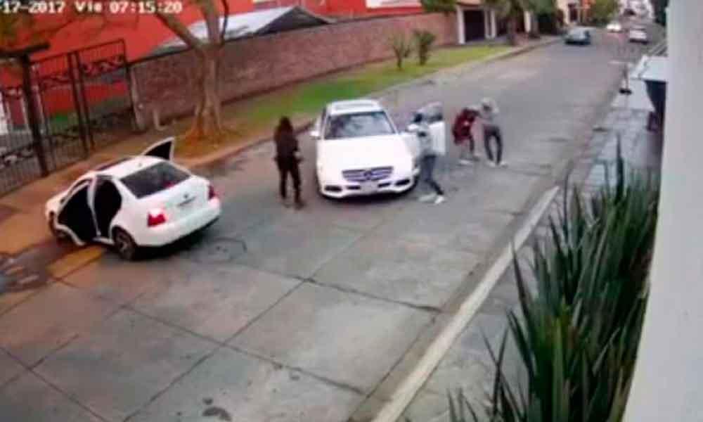 Captan momento en que secuestran a mujer en Michoacán