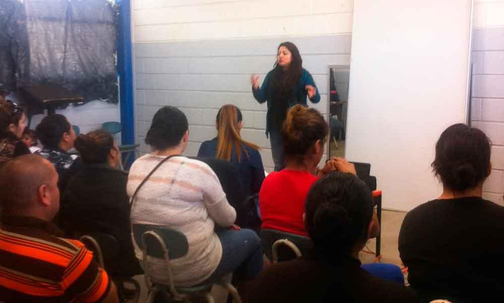 Lleva DIF Tecate talleres de concientización sobre discapacidad a padres de familia