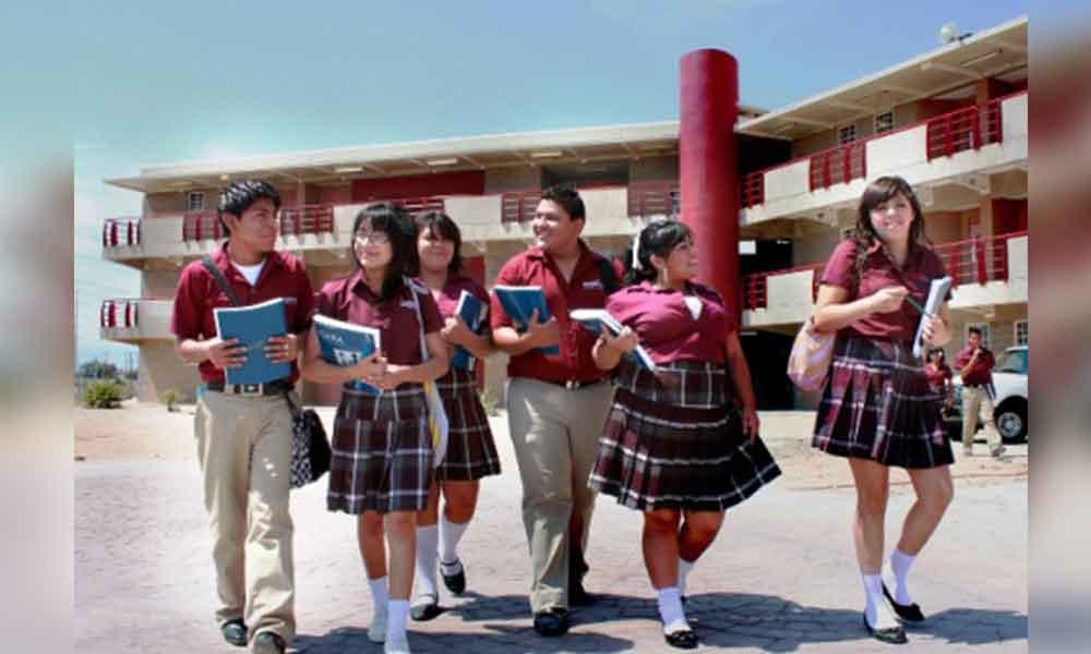 Abren convocatoria de becas para estudiantes de preparatoria y Universidad