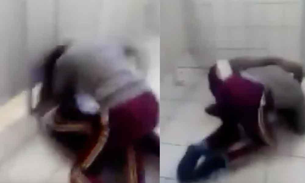 Captan pelea entre alumnas de secundaria de Tecate