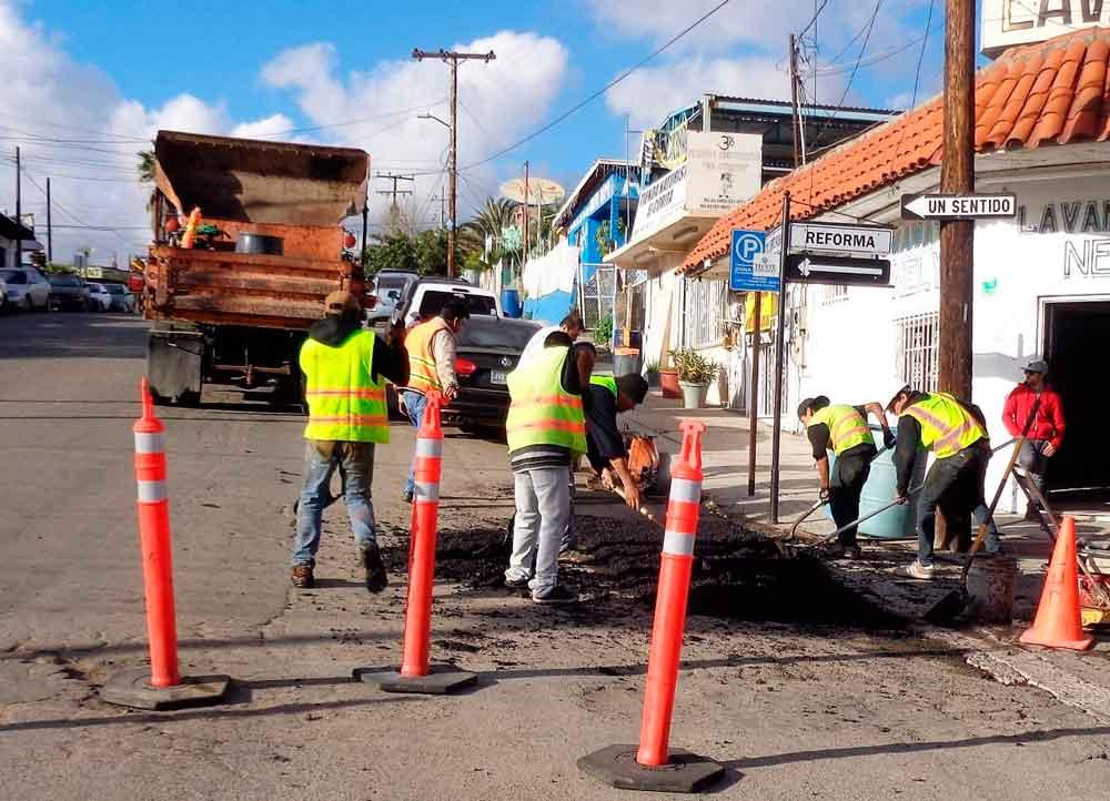 """Inicia CESPTE programa """"Bacheo en Acción"""" en Tecate"""