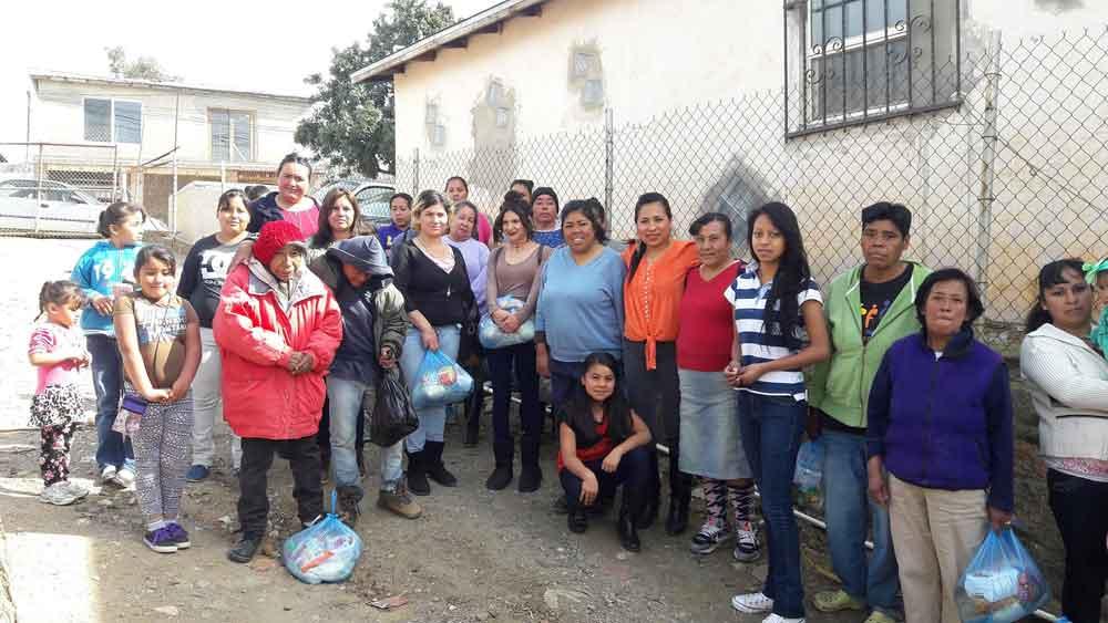 Gestiona Regidora Judith Armenta rehabilitación de calles en Cerro Azul