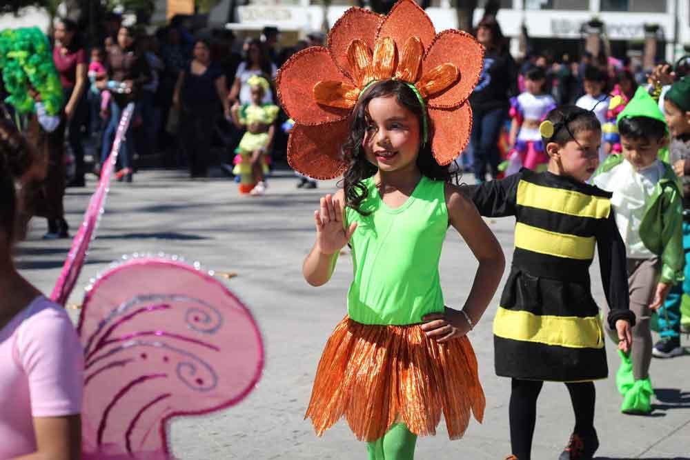 Se Realizó el Tradicional Desfile de la Primavera en Tecate