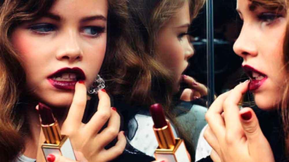 ¿Qué está causando la pubertad precoz en las niñas?