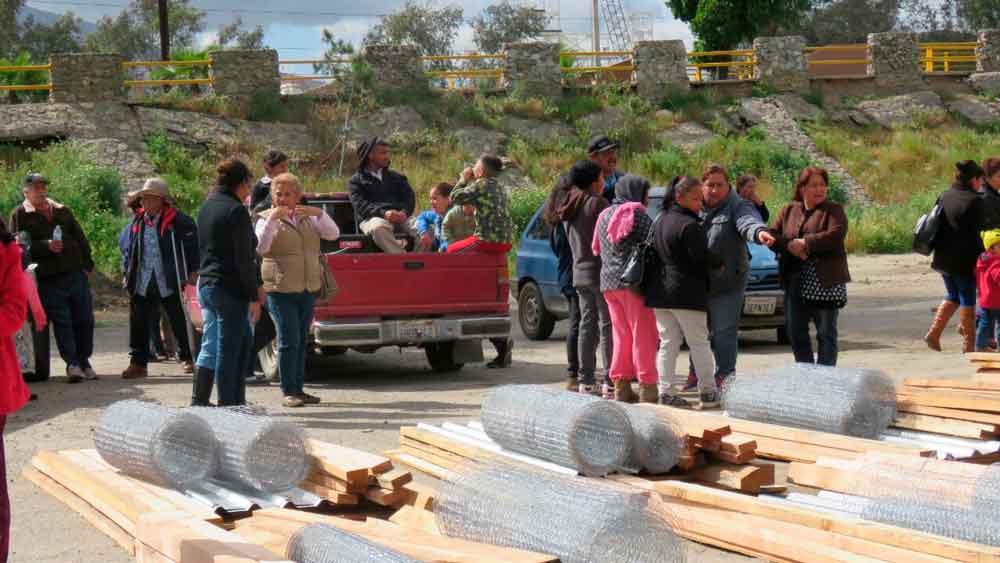 Entregan más apoyos para el sustento a familias tecatenses