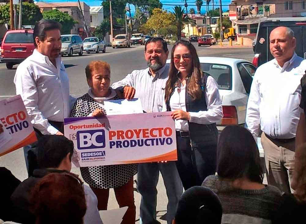 "Beneficia Gobierno de BC a pequeños comerciantes con Programa ""Proyectos Productivos"""