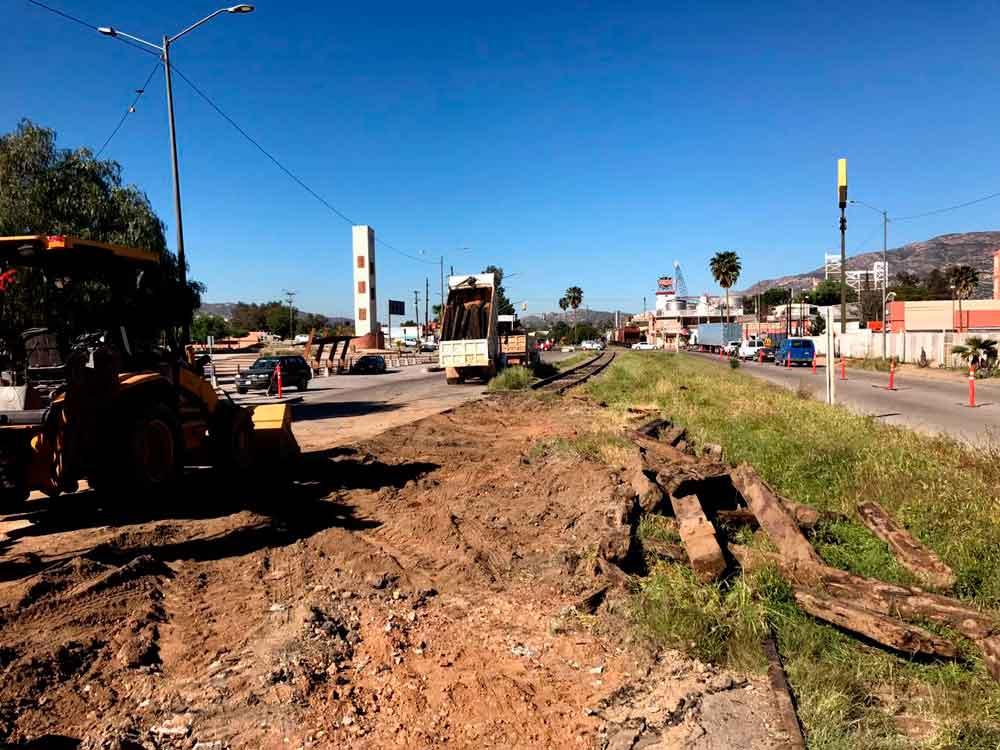 Realiza Gobierno de BC trabajos de rehabilitación de la vía férrea en Tecate