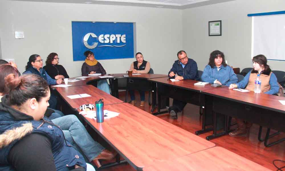 Imparte CESPTE curso sobre calidad en la atención y servicio al cliente