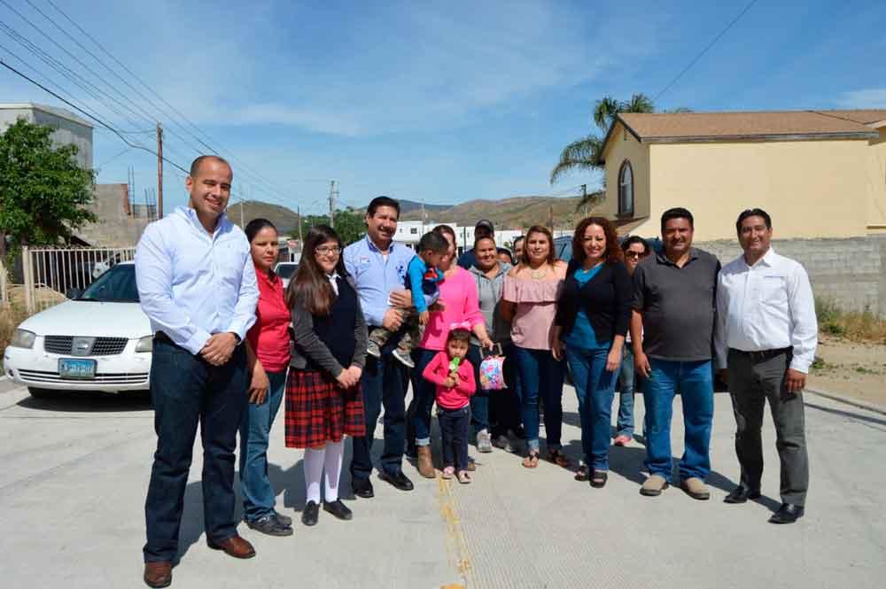 Entrega Gobierno de BC obra de pavimentación en Tecate