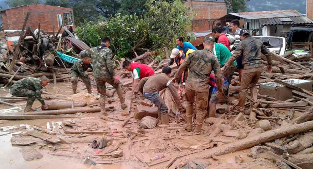 Avalancha en Colombia deja al menos 92 muertos y decenas de heridos