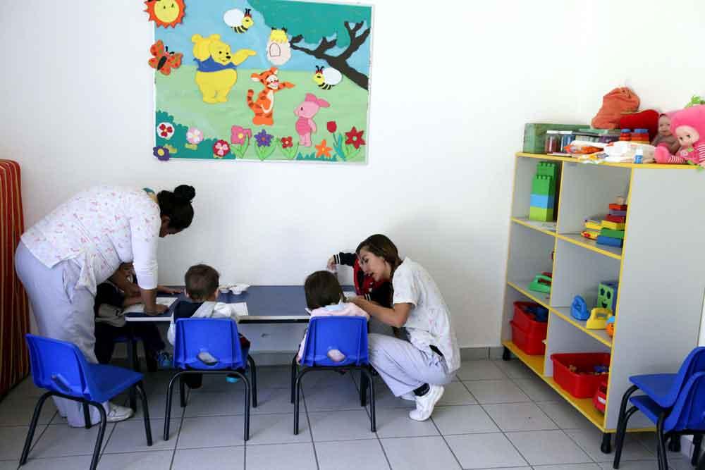 Aprueban servicio de guarderías a hijos de estudiantes