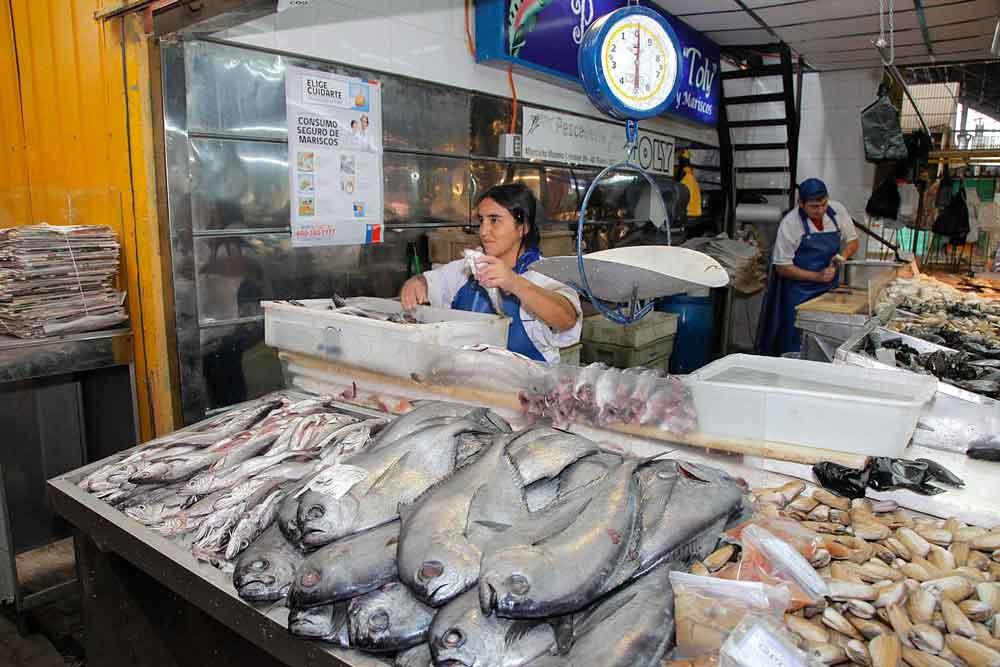 En pleno Viernes Santo se disparan los precios en las pescaderías