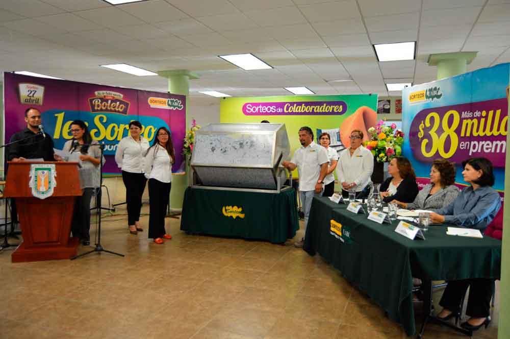Tijuanense gana automóvil en Sorteo UABC