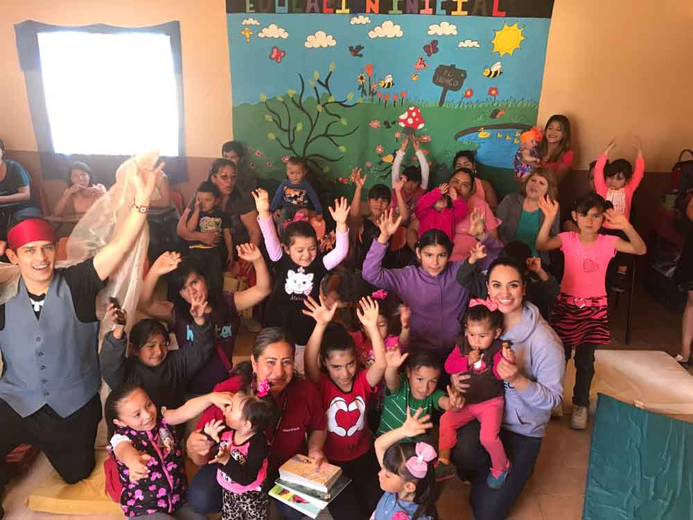Fomenta CECUTEC el hábito de la lectura a niñas y niños de la zona rural