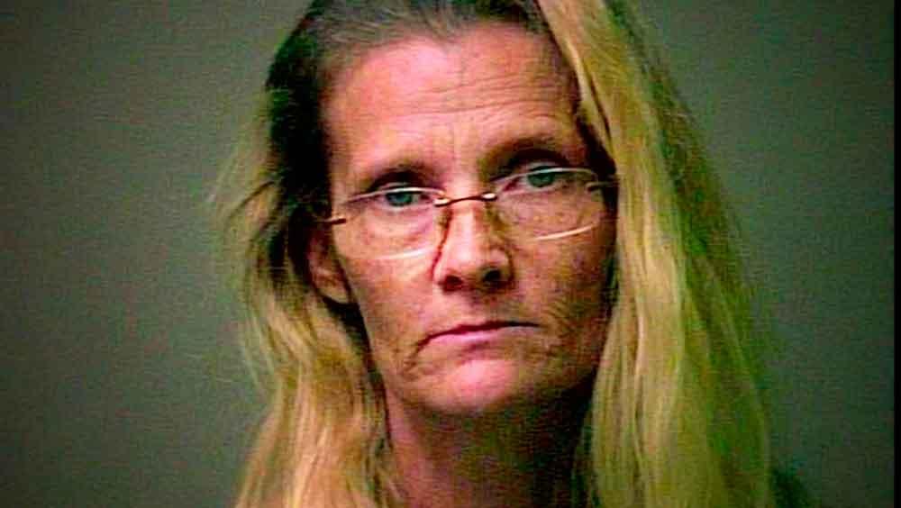Mujer recibe cadena perpetua por vestirse de bruja y maltratar a su nieta